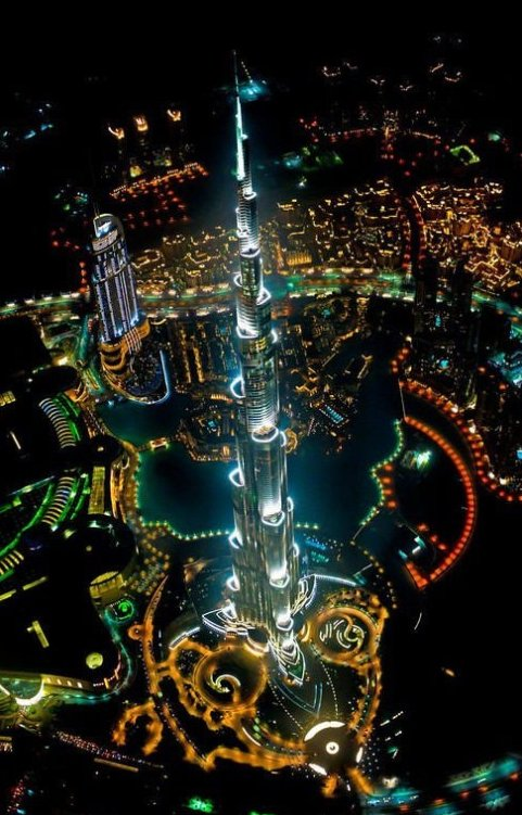 Tallest building in the world – At night