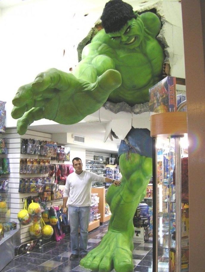Awesome Hulk Statue