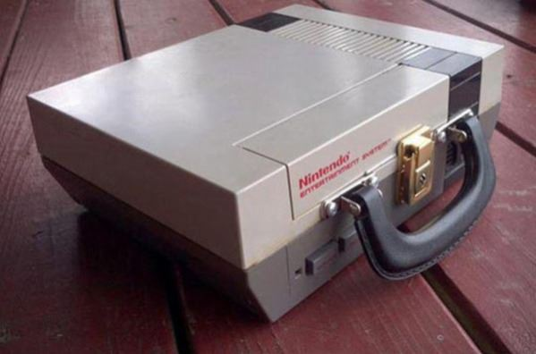 Cool NES lunchbox